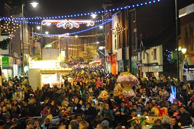 Leek Christmas light switch on