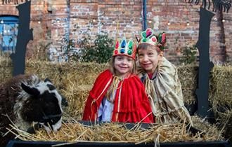 Living Nativity at Emma Bridgewater